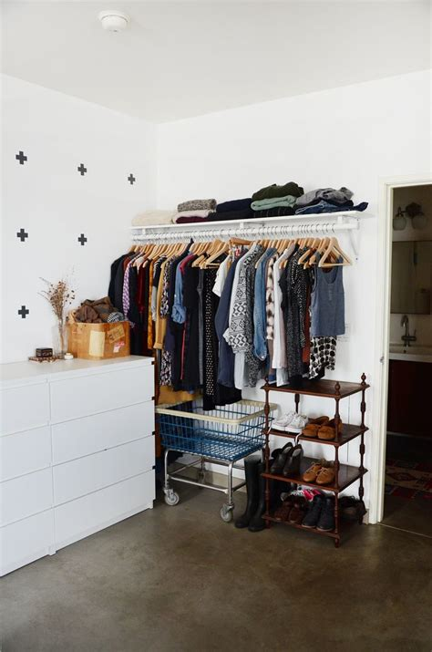 Small Closets by Best 25 Small Closets Ideas On Closet Redo