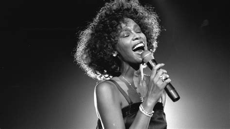 whitney houston perform  wanna dance