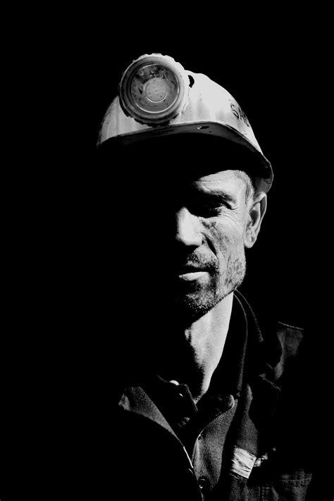 fotos gratis persona en blanco  negro fotografia