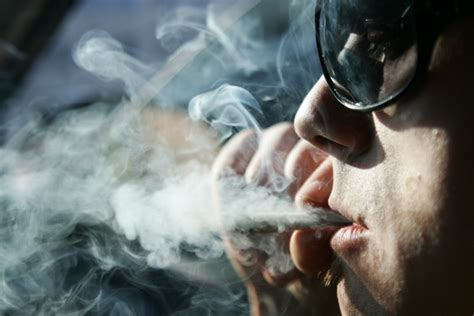 Pētījums: Latvijā sarūk smēķētāju skaits - Veselība - nra.lv