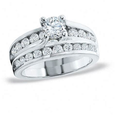 previously owned 2 00 ct t w diamond bridal set in 14k