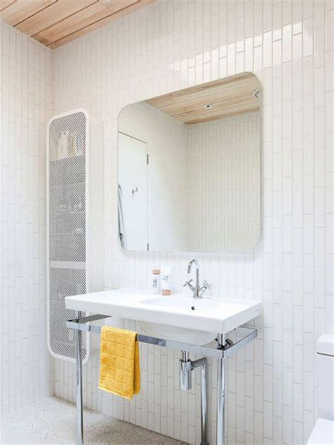 rectangular white ceramic bathroom tile staggered