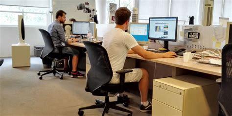 au bureau 8 chaleur au bureau peut on arrêter de travailler ou venir