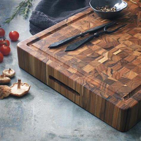 beautifully sustainable  grain wood cutting boards