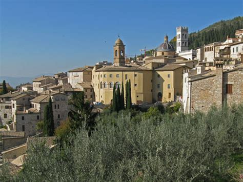 landmarks and tourist attractions in assisi italy