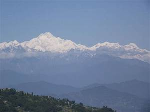 Mt. Kanchenjunga on the way to Neora Valley National Park ...
