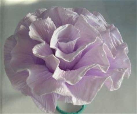 Come fare fiori di carta crespa