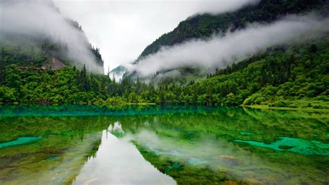 Beautiful Green Hills Pictures