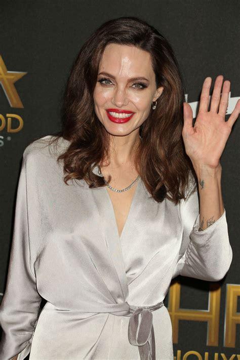 Angelina Jolie - HawtCelebs