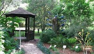 Bottle tree by gazebo kanapaha gardens gainesville fl for Gainesville botanical gardens