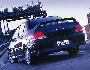 Mitsubishi Lancer Specs  U0026 Photos