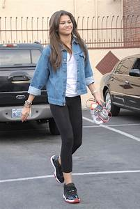 More Pics of Zendaya Coleman Denim Jacket (14 of 21) - Denim Jacket Lookbook - StyleBistro