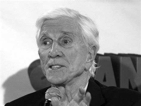 leslie nielsen titanic zmarł komediowy aktor leslie nielsen wp wiadomości