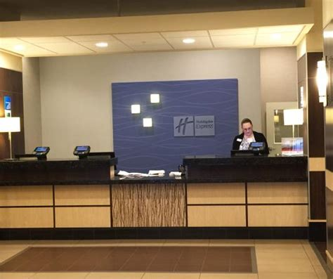 hotel front desk picture of holiday inn express tacoma