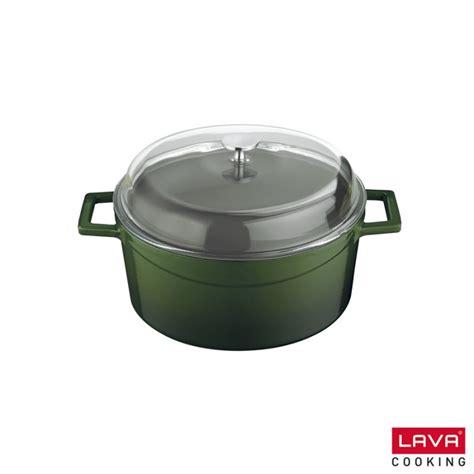 cuisiner avec une cocotte cocotte verte en fonte émaillée avec couvercle en verre lava