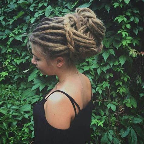 atemberaubende dreadlock styles fuer damen dreads