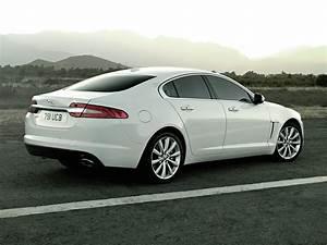 2014 Jaguar XF Price, Photos, Reviews & Features