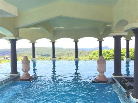 le meridien spa lush green trees picture of le meridien mahabaleshwar resort spa mahabaleshwar tripadvisor
