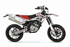 Supermotard 125 2t : beta motorcycles rr 125 motard 4t lc ~ Medecine-chirurgie-esthetiques.com Avis de Voitures