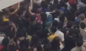 Bun fight! Mob of hundreds rush to buy 12 PENCE burgers in ...