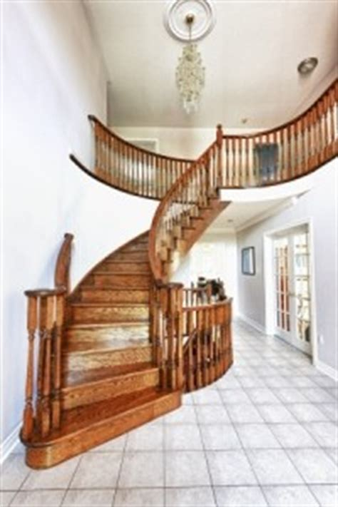 rénovation escalier bois comment rénover escalier rénovation escalier bois les astuces pour rénover et le vitrifier