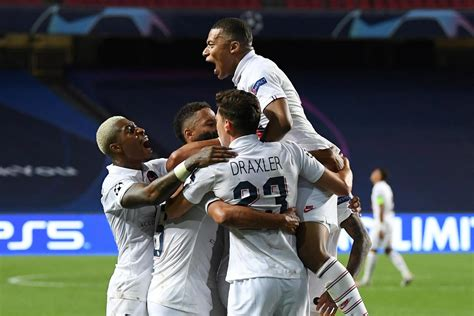 champions league psg stun atalanta  qualify  semi
