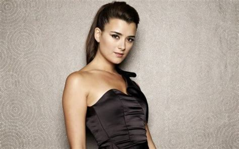 celebrity cote de pablo wallpapers wallpapers pics