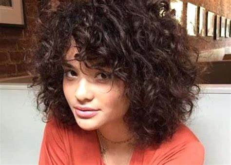 Unique Short Hairstyles For Thin Curly Hair Round Face