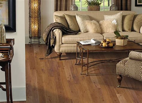 Living Room Designs With Oak Flooring by Laminate Wood Floor For Traditional Living Room Design
