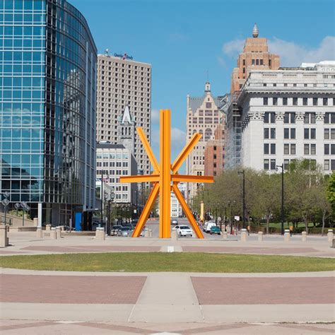 4 Self-Guided Walking Tours in Milwaukee, Wisconsin ...