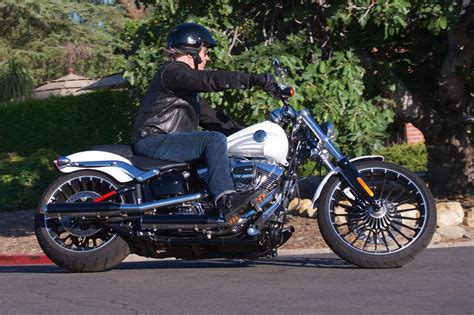 2017 Harley-davidson Softail Breakout Review