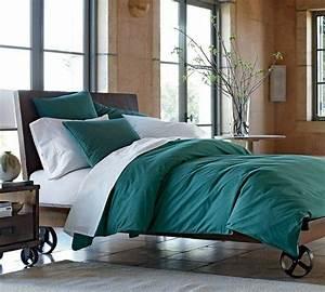 les 25 meilleures idees concernant chambres blanc casse With association de couleurs avec le gris 16 1001 idees pour une chambre bleu canard petrole et paon