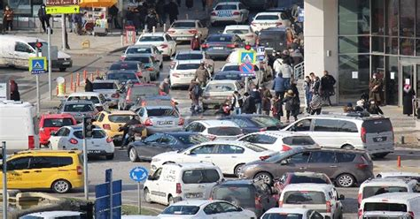 Hafta sonu yasak var mi? Hafta Sonu Yasakları Öncesi Araç ve İnsan Yoğunluğu - Samsun Haber Haberleri