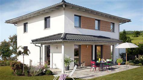 Moderne Quadratische Häuser by Haus Walmdach Mit Vordach Haus Schw 246 Rer Haus Haus Und