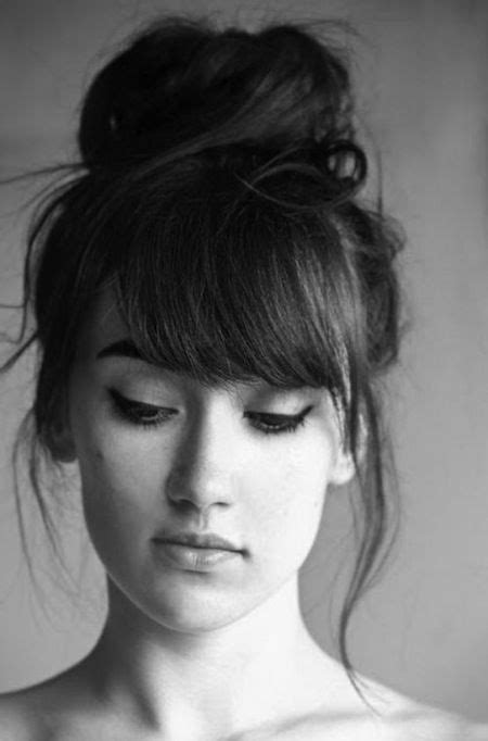 latest  cute messy bun hairstyle  women  wow style