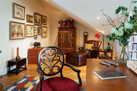 eclectic decor  powerful   colour  pattern