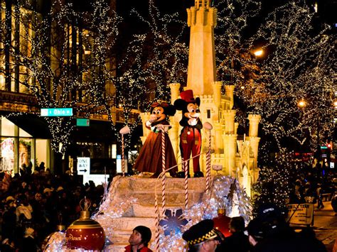 magnificent lights parade 2017 holidays transform chicago into a windy wintry wonderland