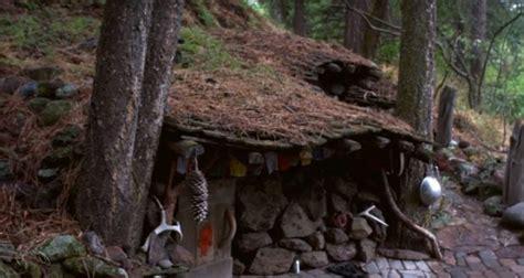 underground hidden house  cost    build     fort