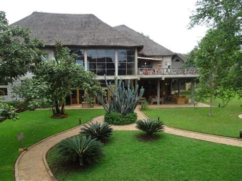 Weru Weru River Lodge  Updated 2018 Reviews & Price. Hotel Salzburger Hof. Cwmbach Guest House. Le Parker Meridien Hotel. Artemis Hotel. Hotel Los Parrales. Grand Hotel Downtown. The Palms Place Hotel And Spa. River House