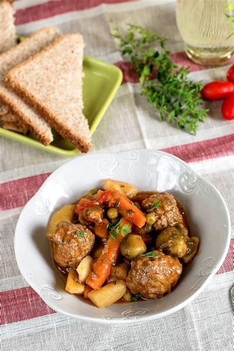 bon plat a cuisiner boulettes de viande en ragout un bon plat familial à