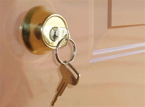 Door Lock by 5 Amazing Bedroom Door Lock To Maintain Privacy