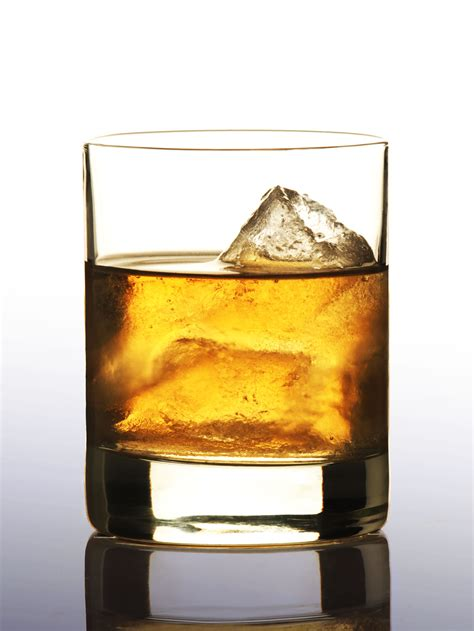 whiskey on the rocks epicurus com beverages whiskey