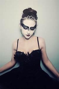 Hollywood Kostüme Ideen : ebenfalls eine sch ne kost m idee black swan halloween kost me pinterest halloween ~ Frokenaadalensverden.com Haus und Dekorationen