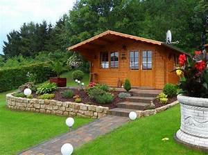 Gartenhaus Streichen Vor Aufbau : gartenhaus in hanglage aufbau einrichtung und gartengestaltung ~ Buech-reservation.com Haus und Dekorationen