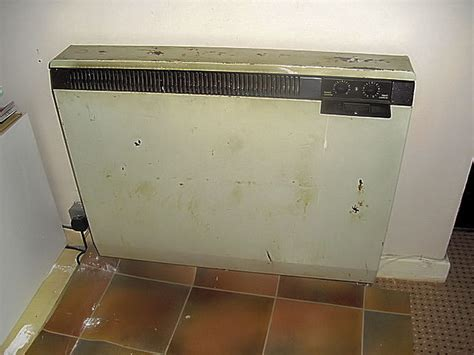 old fashioned bathroom electric storage heater electrical job in clydebank