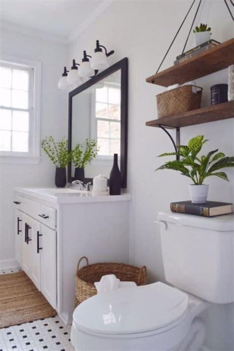 Decorating Ideas Black And White Bathroom by 17 Beautiful And Modern Farmhouse Bathroom Design Ideas