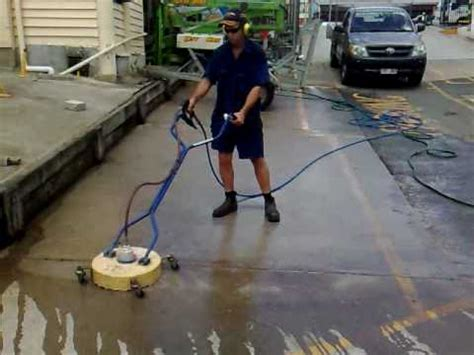 City Hire & Rental DIY Pressure Washer Cleaning concrete