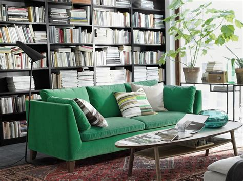 canapé velours design canape vert salon idees design de maison