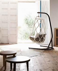Pied Pour Fauteuil Suspendu : fauteuil de jardin suspendu en 55 id es de meubles design ~ Teatrodelosmanantiales.com Idées de Décoration