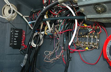 Marine Fuse Box Wiring by Fuse Block Vs Circuit Breaker Panel Moderated